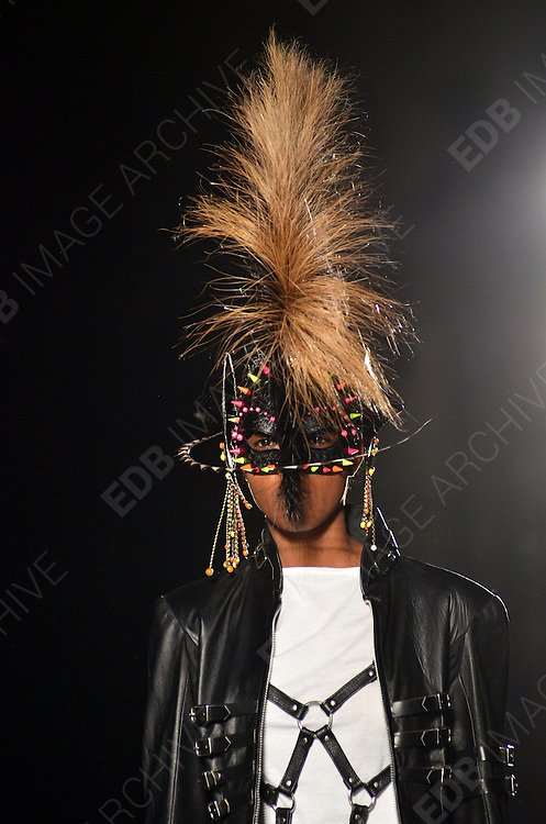 16.SEPTEMBER.2012. LONDON<br /> <br /> MODELS ON THE RUNWAY AT THE LFW PHILIP TREACY CATWALK SHOW.<br /> BYLINE: EDBIMAGEARCHIVE.CO.UK/JOE ALVAREZ<br /> <br /> *THIS IMAGE IS STRICTLY FOR UK NEWSPAPERS AND MAGAZINES ONLY*<br /> *FOR WORLD WIDE SALES AND WEB USE PLEASE CONTACT EDBIMAGEARCHIVE - 0208 954 5968*