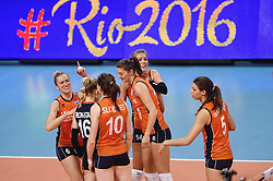 08-01-2016 TUR: European Olympic Qualification Tournament Nederland - Italie, Ankara<br /> Halve finale OKT2 / Rio 2016 komt nu wel heel dichtbij voor Maret Balkestein-Grothues #6, Debby Stam-Pilon #16, Lonneke Sloetjes #10, Anne Buijs #11, Laura Dijkema #14, Robin de Kruijf #5