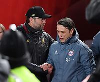 FUSSBALL CHAMPIONS LEAGUE SAISON 2018/2019 ACHTELFINAL HINSPIEL FC Liverpool - FC Bayern Muenchen          19.02.2019 Shake Hands vor dem Spiel; Trainer Juergen Klopp (li, FC Liverpool) begruesset Trainer Niko Kovac (re, FC Bayern Muenchen)