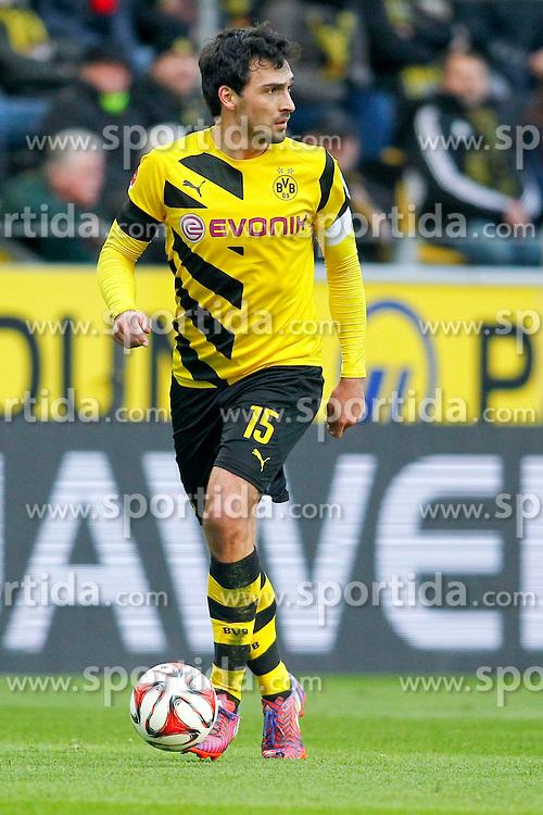 04.04.2015, Signal Iduna Park, Dortmund, GER, 1. FBL, Borussia Dortmund vs FC Bayern Muenchen, 27. Runde, im Bild Mats Hummels (Borussia Dortmund #15) // during the German Bundesliga 27th round match between Borussia Dortmund and FC Bayern Muenchen at the Signal Iduna Park in Dortmund, Germany on 2015/04/04. EXPA Pictures &copy; 2015, PhotoCredit: EXPA/ Eibner-Pressefoto/ Sch&uuml;ler<br /> <br /> *****ATTENTION - OUT of GER*****