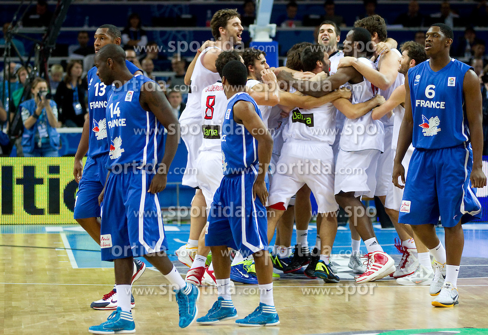 Players of Spain celebrate after the final basketball game between National basketball teams of Spain and France at FIBA Europe Eurobasket Lithuania 2011, on September 18, 2011, in Arena Zalgirio, Kaunas, Lithuania. Spain defeated France 98-85 and became European Champion 2011, France placed second and Russia third. (Photo by Vid Ponikvar / Sportida)