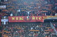 Fussball International, Nationalmannschaft   EURO 2012 Play Off, Qualifikation, Tschechische Republik - Montenegro        11.11.2011 Montenegro Fankurve mit Banner