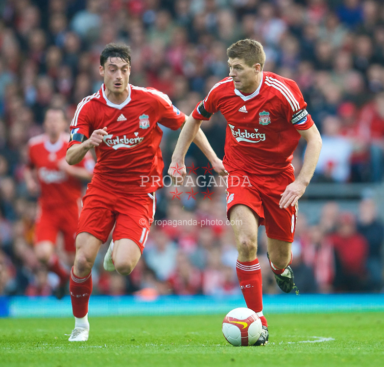 LIVERPOOL, ENGLAND - Sunday, March 22, 2009: Liverpool's captain Steven Gerrard MBE and Albert Riera during the Premiership match against Aston Villa at Anfield. (Photo by David Rawcliffe/Propaganda)