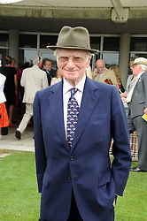 SIR PETER O'SULLEVAN at the 3rd day of the 2008 Glorious Goodwood racing festival at Goodwood Racecourse, West Sussex on 31st July 2008.<br /> <br /> NON EXCLUSIVE - WORLD RIGHTS