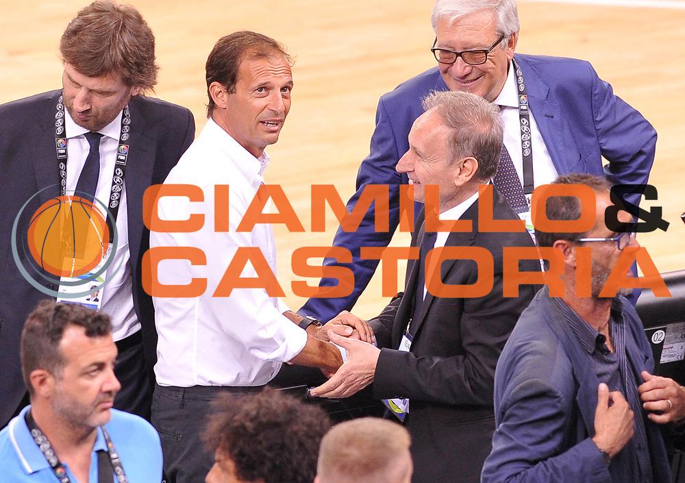 DESCRIZIONE: Torino FIBA Olympic Qualifying Tournament Italia - Croazia<br /> GIOCATORE: MASSIMILIANO ALLEGRI GIANNI PETRUCCI<br /> CATEGORIA: Nazionale Italiana Italia Maschile Senior<br /> GARA: FIBA Olympic Qualifying Tournament Italia - Croazia<br /> DATA: 05/07/2016<br /> AUTORE: Agenzia Ciamillo-Castoria