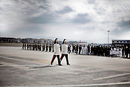 CIAMPINO. DUE CORAZZIERI LASCIANO IL PIAZZALE DELL'AEROPORTO DI CIAMPINO DOPO IL RIENTRO DELLE SALME DEI MILITARI ITALIANI CADUTI IN AFGHANISTAN