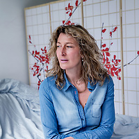 Nederland, Amsterdam, 7 maart 2017.<br />Frieda Mulisch, schrijver, dichter en dochter van schrijver Harry Mulisch.<br /><br /><br />Foto: Jean-Pierre Jans