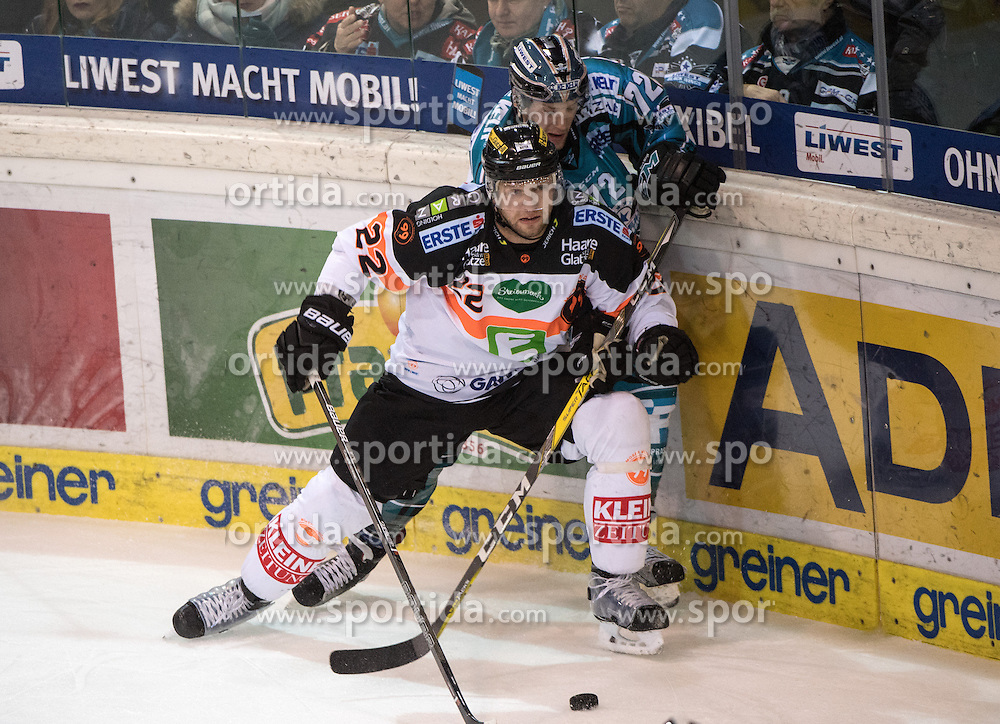 18.12.2016, Keine Sorgen Eisarena, Linz, AUT, EBEL, EHC Liwest Black Wings Linz vs Moser Medical Graz 99ers, 32. Runde, im Bild Thomas Pöck (Moser Medical Graz 99ers) und Kevin Moderer (EHC Liwest Black Wings Linz) // during the Erste Bank Icehockey League 32nd round match between EHC Liwest Black Wings Linz and Moser Medical Graz 99ers at the Keine Sorgen Icearena, Linz, Austria on 2016/12/18. EXPA Pictures © 2016, PhotoCredit: EXPA/ Reinhard Eisenbauer
