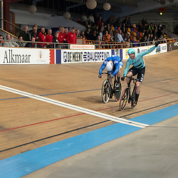 27-12-2019: Wielrennen: NK Baan: Alkmaar<br />Mathijs Buchli pakt de titel op de sprint door Jeffrey Hoogland te kloppen