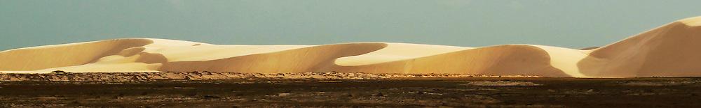 Lencois Maranhenses, MA.  Dunas durante o periodo de seca. / Sand dunes during the dry season, Brazil 2011.