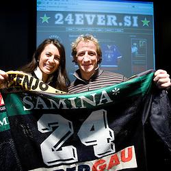 20091201: Ice hockey - Tomaz Vnuk's auction of his jerseys for Fundation Rdeca zoga