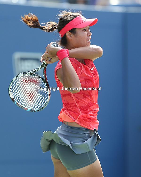 US Open 2013, USTA Billie Jean King National Tennis Center, Flushing Meadows, New York,<br /> ITF Grand Slam Tennis Tournament .<br /> Na Li (CHN),Aktion,Einzelbild,<br /> Halbkoerper,Hochformat