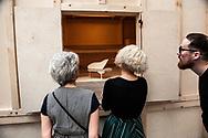 """Venezia - 16. Mostra di Architettura. Padiglioni ai Giardini. Un lavoro di """"Amateur Studio"""", collettivo di architetti"""""""