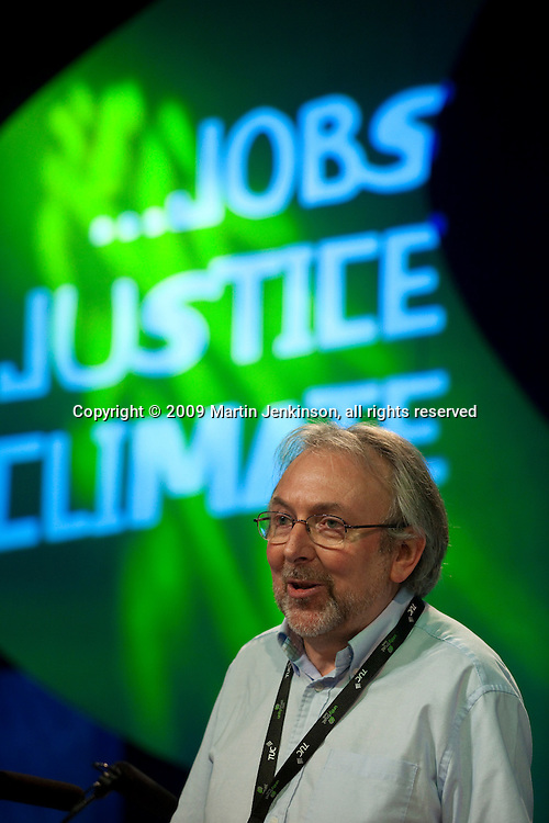 Ian Murch, speaking at the TUC Conference 2009...© Martin Jenkinson, tel 0114 258 6808 mobile 07831 189363 email martin@pressphotos.co.uk. Copyright Designs & Patents Act 1988, moral rights asserted credit required. No part of this photo to be stored, reproduced, manipulated or transmitted to third parties by any means without prior written permission