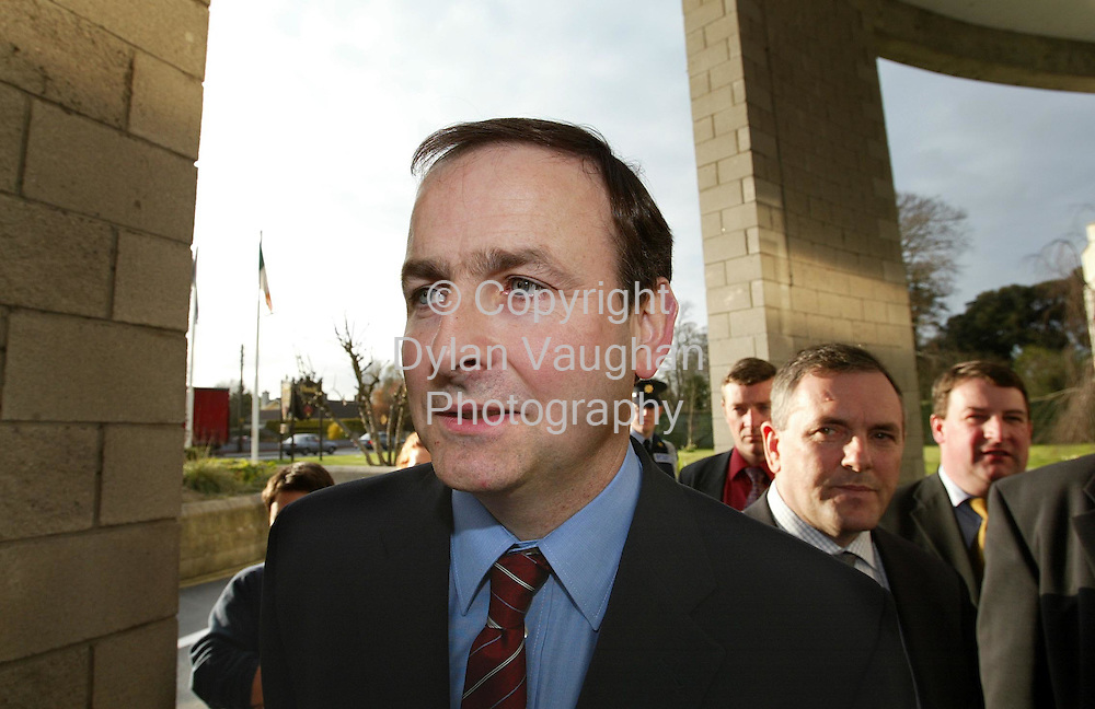 4/4/2002 Sunday Business Post.Minister for Health and Children Micheal Martin pictured arriving at the Newpark hotel in Kilkennyfor a meeting with victims of abuse..Picture Dylan Vaughan