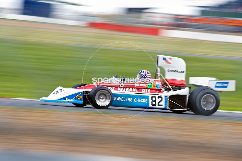 Car No 82 heads around Luffield. Silverstone Classic - 66-85 F1- 25/7/10.