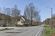 Øvre Rindal kapell<br /> Øvre Rindal kapell ligg i Rindal sokn i Indre Nordmøre prosti. Ho er bygd i tre og blei oppførd i 1911. Kyrkja har langplan og 210 sitjeplassar.<br /> Arkitekt: Lars Andersen Mogstad. Rindalskogen. Øvre Rindal Chapel, a chapel in Rindal Municipality in Møre og Romsdal county, Norway. It is located in the village of Tiset. The chapel is part of the Rindal parish in the Ytre Nordmøre deanery in the Diocese of Møre. The white, wooden chapel was built in 1911 by the architect Lars Mogstad. The chapel seats about 210 people.
