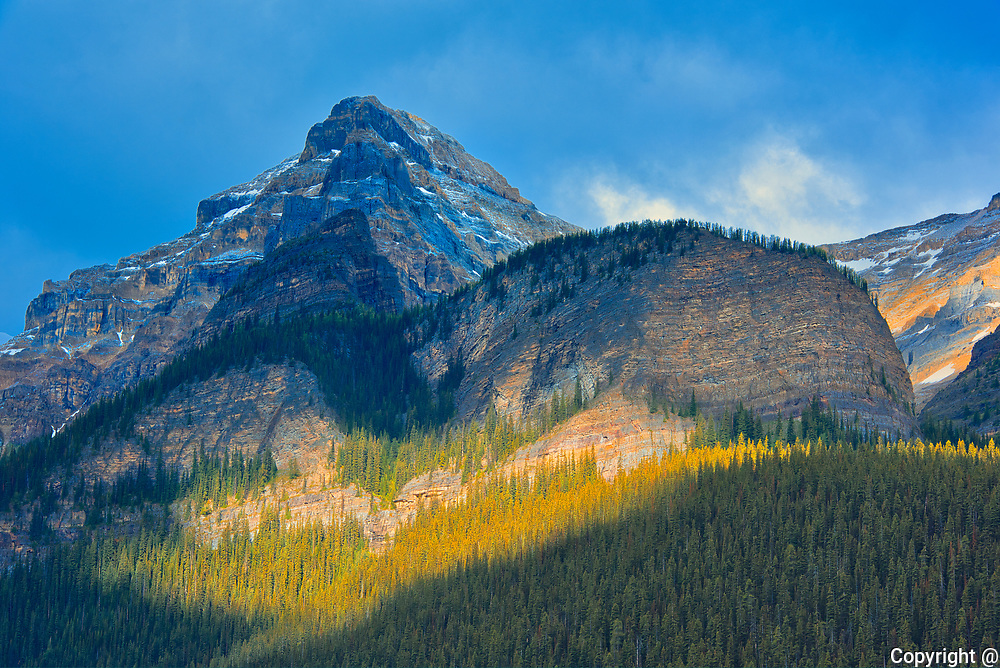 Mt. Whyte (left) and the Beehive (right) behind Lake Louise in the Canadian Rockies.<br />