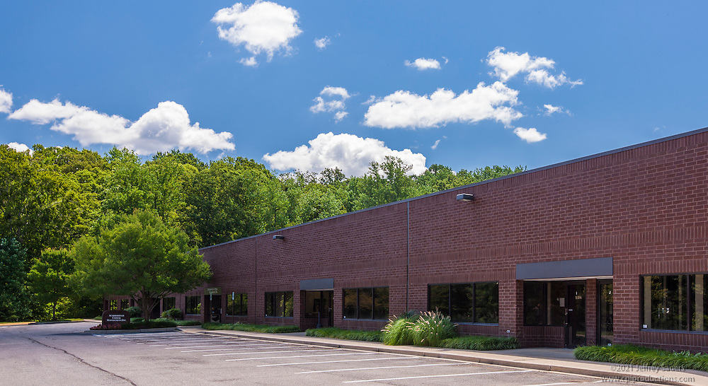 Building photography of Annapolis Corporate Center by Jeffrey Sauers of Commercial Photographics