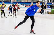 HEERENVEEN - simon keizer   op het ijs van Thialf Heerenveen tijdens De Hollandse 100. Het doel van dit sportieve evenement is het ophalen van geld voor onderzoek naar lymfklierkanker. ANP ROYAL IMAGES ROBIN UTRECHT