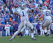 Kansas State quarterback Josh Freeman throws down field in the first half against Kansas at Memorial Stadium in Lawrence, Kansas, November 18, 2006.  Kansas beat K-State 39-20.<br />