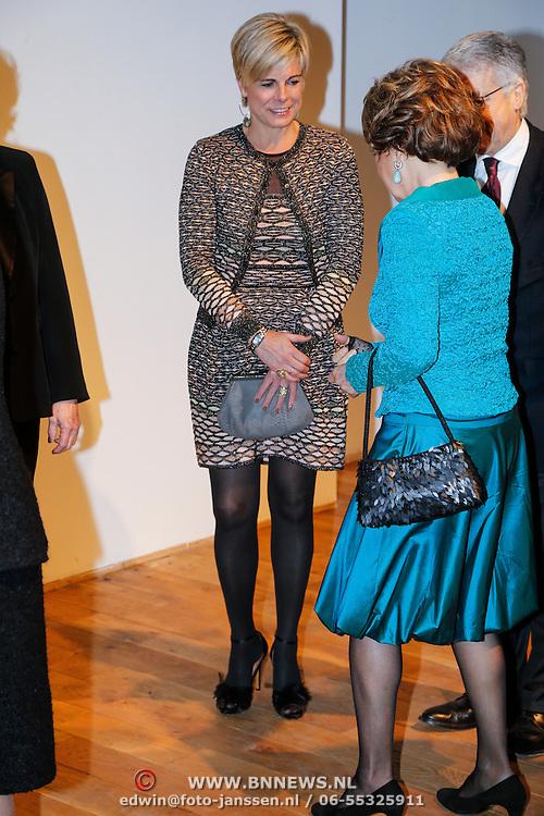 BEL/Brussel/20130319- Uitreiking Prinses Margriet Award 2013, aankomst, Prinses Laurentien en Margriet,