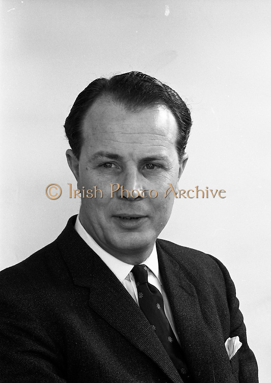23/03/1966<br /> 03/23/1966<br /> 23 March 1966<br /> Mr Jim O'Connell of W. D.& H. O. Wills tobacco company.