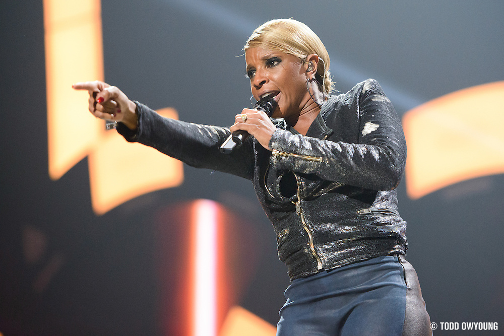 Mary J. Blige performing at the iHeartRadio Music Festival in Las Vegas, Nevada on September 22, 2012.