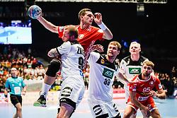 16.01.2020, Wiener Stadthalle, Wien, AUT, EHF Euro 2020, Weißrussland vs Deutschland, Hauptrunde, Gruppe I, im Bild v. l. Patrick Zieker (GER), Aliaksandr Padshyvalau (BLR) // f. l. Patrick Zieker (GER) Aliaksandr Padshyvalau (BLR) during the EHF 2020 European Handball Championship, main round group I match between Belarus and Germany at the Wiener Stadthalle in Wien, Austria on 2020/01/16. EXPA Pictures © 2020, PhotoCredit: EXPA/ Florian Schroetter