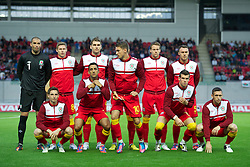 LLANELLI, WALES - Wednesday, August 15, 2012: Wales players line up for a team group photograph before the international friendly match against Bosnia-Herzegovina at Parc y Scarlets. Back row L-R: goalkeeper Boaz Myhill, Simon Church, Sam Vokes, Ashley Williams, Chris Gunter, Darcy Blake. Front row L-R: Joe Allen, Neil Taylor, captain Aaron Ramsey, Gareth Bale, Andrew Crofts. (Pic by David Rawcliffe/Propaganda)