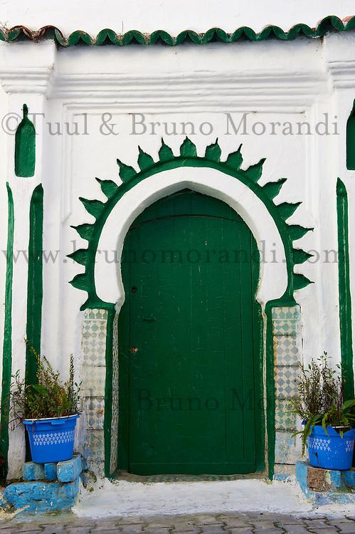 Maroc, Tanger, porte dans la Medina // Morocco, Tangier (Tanger), door on the old city, Medina