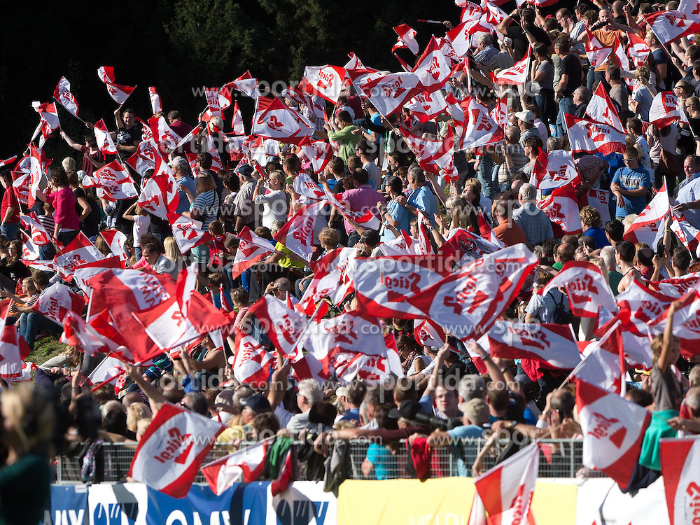 28.09.2014, Energie AG Skisprung Arena, Hinzenbach, AUT, FIS Ski Sprung, Sommer Grand Prix, Hinzenbach, im Bild Fans in Hinzenbach, during FIS Ski Jumping Summer Grand Prix at the Energie AG Skisprung Arena, Hinzenbach, Austria on 2014/09/28. EXPA Pictures © 2014, PhotoCredit: EXPA/ Reinhard Eisenbauer