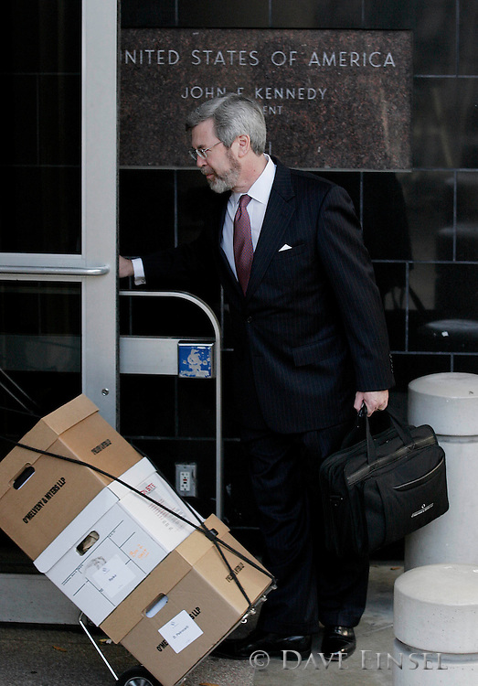 HOUSTON -  JANUARY 30:  Defense attorney Randy Oppenheimer arrives at the Bob Casey United States Courthouse in Houston for the first day of the fraud and conspiracy trial for his client former Enron CEO Jeff Skilling, Monday, January 30, 2006. Skilling is charged in 31 counts related to the collapse of Enron in 2001. (Photo by Dave Einsel)