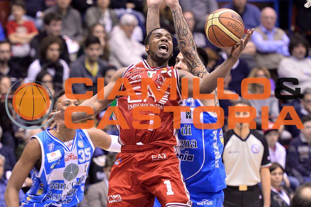 DESCRIZIONE : Milano 2014-2015  EA7 Emporio Armani Milano vs Banco di Sardegna Sassari<br /> GIOCATORE : Joe Ragland<br /> CATEGORIA : Tiro<br /> SQUADRA : EA7 Emporio Armani Milano<br /> EVENTO : Campionato Lega A 2014-2015 GARA : EA7 Emporio Armani Milano Banco di Sardegna Sassari<br /> DATA : 29/03/2015<br /> SPORT : Pallacanestro <br /> AUTORE : Agenzia Ciamillo-Castoria/IvanMancini<br /> GALLERIA : Lega Basket A 2014-2015 FOTONOTIZIA : Milano Lega A 2014-2015 EA7 Emporio Armani Milano Banco di Sardegna Sassari<br /> PREDEFINITA :