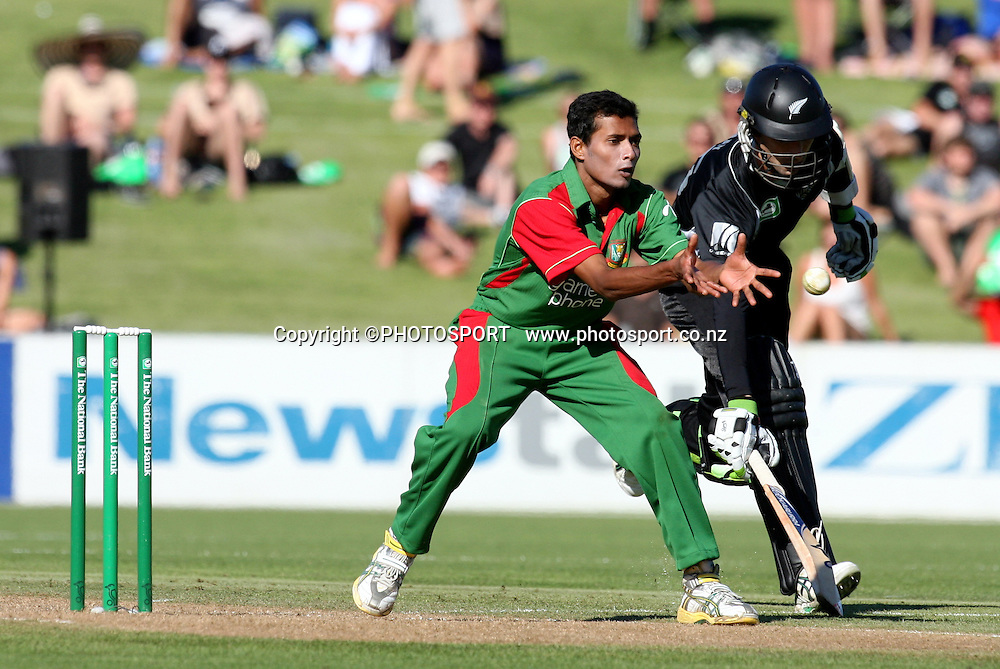Shafiul Islam takes the return throw as Andrew Mckay makes his ground. New Zealand Black Caps v Bangladesh. 1st ODI. McLean Park, Napier. Friday 05 February 2010  Photo: John Cowpland/PHOTOSPORT