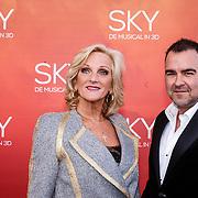 NLD/Amsterdam/20160403 - Premiere musical Sky, Tineke Schouten en .......