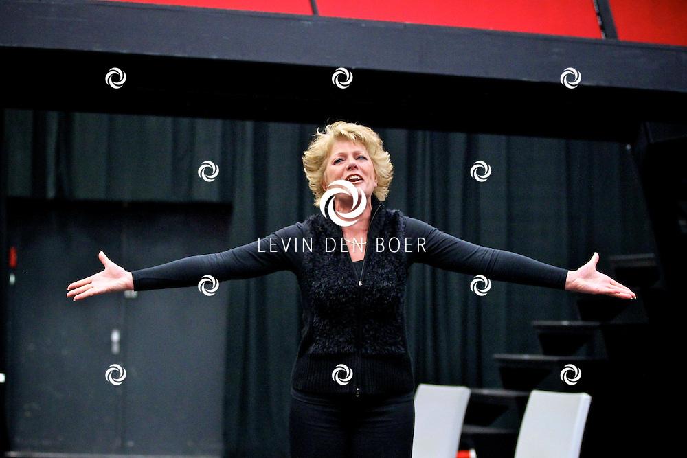 AMSTERDAM - In de Dutch Studio mocht vandaag de pers een kijkje nemen bij de repetities van de musical Next to Normal.   Met op de foto musicalster Simone Kleinsma. FOTO LEVIN DEN BOER - PERSFOTO.NU