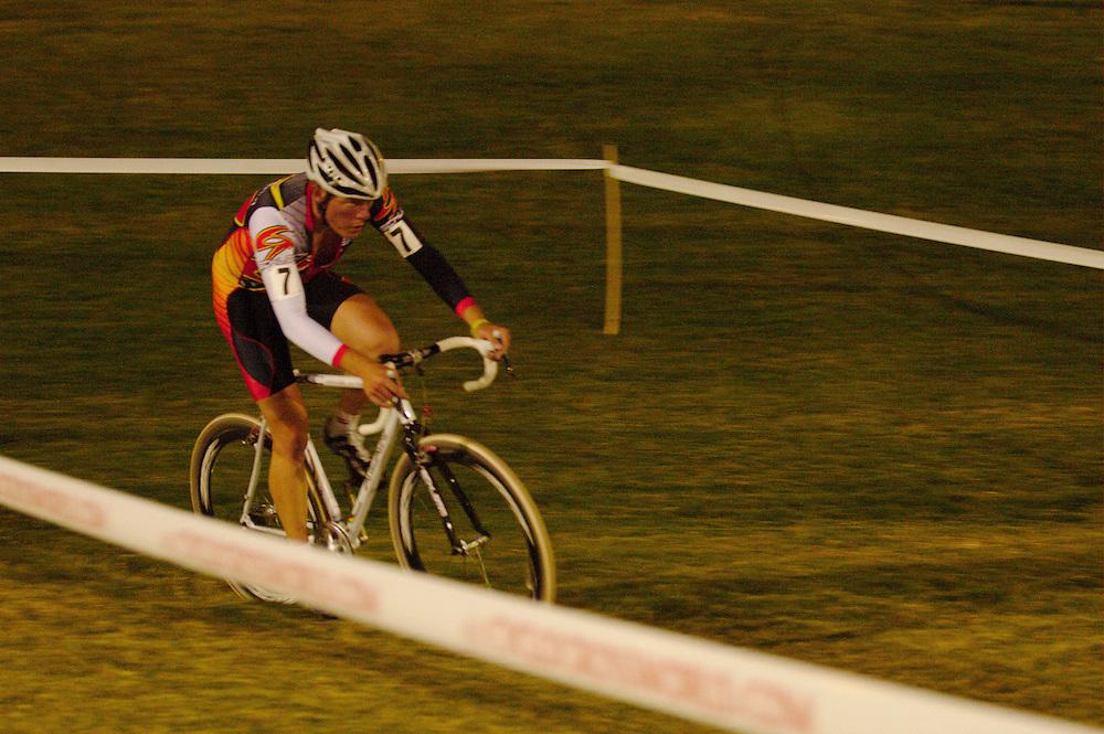 Crossvegas cyclocross race. Desert Breeze Football Field, Las Vegas. 23.0.09