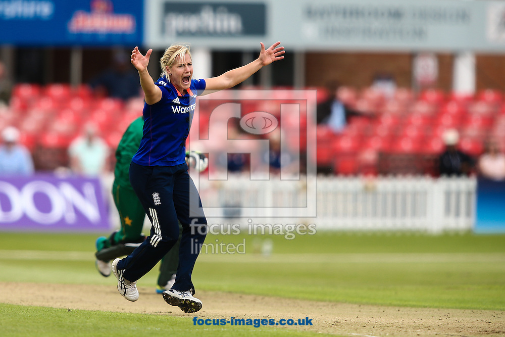 Katherine Brunt of England appeals during the Royal London One Day Series match at Fischer County Ground, Leicester<br /> Picture by Andy Kearns/Focus Images Ltd 0781 864 4264<br /> 21/06/2016