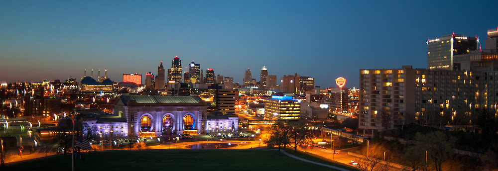 Union station at night, Kansas City Missouri