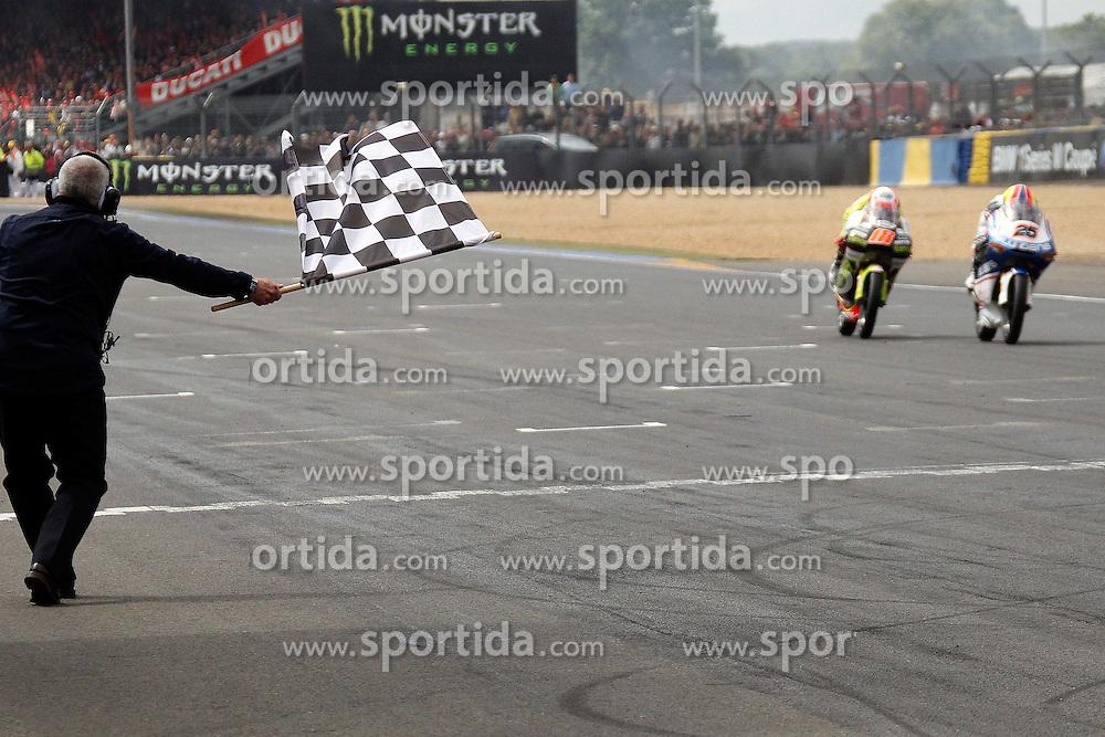 15.05.2011, Le Mans, FRA, MotoGP, Motomondiale Le Mans, im Bild Maverick Vi-ales - Pev Blusens SMX Paris Hilton and Nico Terol - Bancaja Aspar team .EXPA Pictures © 2011, PhotoCredit: EXPA/ InsideFoto/ Semedia +++++ ATTENTION - FOR AUSTRIA/AUT, SLOVENIA/SLO, SERBIA/SRB an CROATIA/CRO CLIENT ONLY +++++