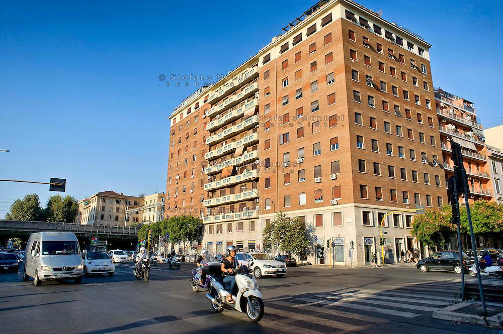 Roma 28 Agosto 2014<br /> Quartiere Ostiense, l'incorocio  tra via Ostiense e via del Porto Fluviale