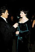 Willem Dafoe and Juliette Binoche. Post Golden Globes party. Beverley Hilton. 21 January 2001. © Copyright Photograph by Dafydd Jones 66 Stockwell Park Rd. London SW9 0DA Tel 020 7733 0108 www.dafjones.com
