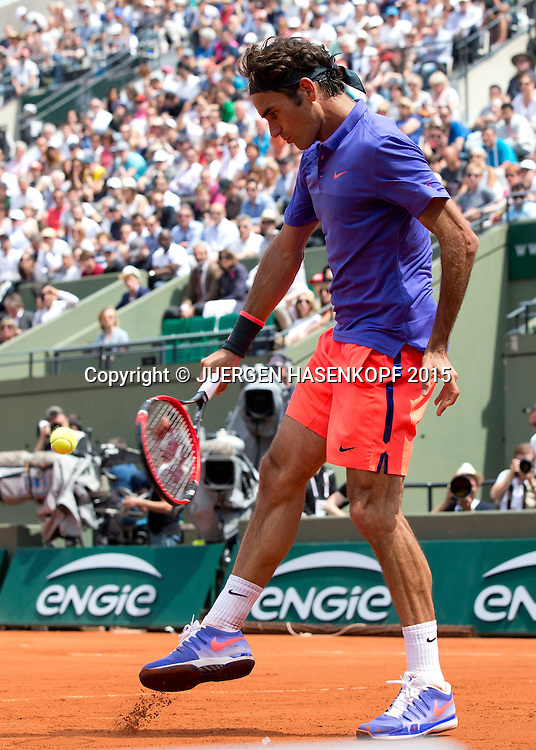 Roger Federer (SUI),Court Suzanne Lenglen,<br /> <br /> Tennis - French Open 2015 - Grand Slam ITF / ATP / WTA -  Roland Garros - Paris -  - France  - 27 May 2015.