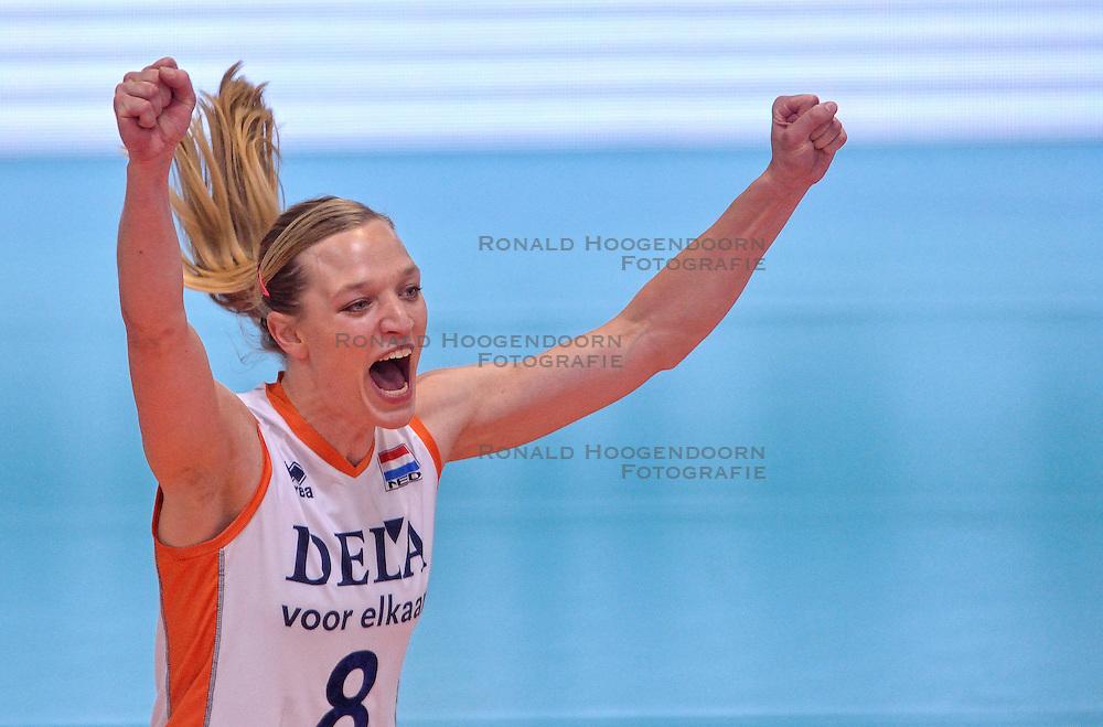 30-05-2015 CHE: Halve Finale Volley Masters Nederland - Turkije, Montreux<br /> Nederland verliest de halve met 3-2 van Turkije en speelt morgen op het brons / Judith Pietersen #8
