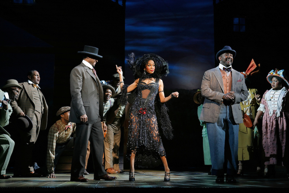 THE COLOR PURPLE / First National Tour:.?Shug Avery Comin? to Town? featuring Michelle Williams (Shug Avery).Photo credit Paul Kolnik..