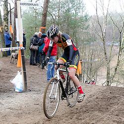 09-01-2016: Wielrennen: NK Veldrijden: Hellendoorn<br />HELLENDOORN (NED) veldrijden<br />Op de flanken van de Sallandse Heuvelrug streden de veldrijders om de Nederlandse titel.<br />Maaike de Heij (Heteren) werd 11e op het NK veldrijden junior vrouwen