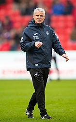 STOKE-ON-TRENT, ENGLAND - Saturday, January 25, 2020: Swansea City's coach Mike Marsh during the pre-match warm-up before the Football League Championship match between Stoke City FC and Swansea City FC at the Britannia Stadium. (Pic by David Rawcliffe/Propaganda)