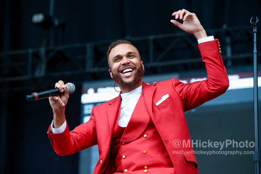 CHICAGO, IL - AUGUST 04: Jidenna performs at Grant Park on August 4, 2017 in Chicago, Illinois. (Photo by Michael Hickey/Getty Images) *** Local Caption *** Jidenna