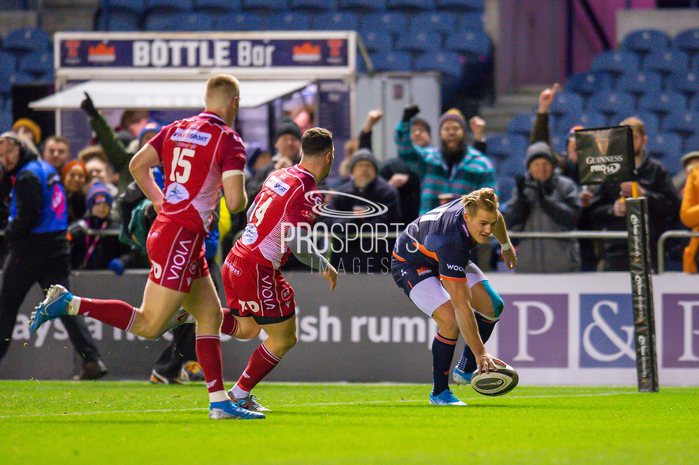 Duhan van der Merwe (#11) of Edinburgh Rugby scores the opening try for Edinburgh during the Guinness Pro 14 2019_20 match between Edinburgh Rugby and Scarlets at BT Murrayfield Stadium, Edinburgh, Scotland on 26 October 2019.